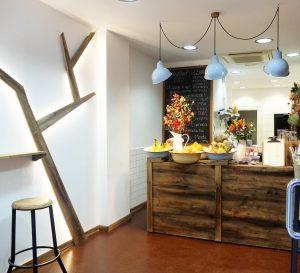 mobiliario tienda de zumos barra rojosillon